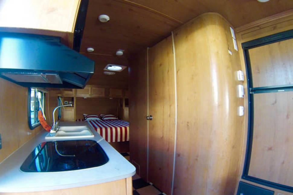 2016 Riverside RV, Retro Model - Retro RV, GoCamping in full confort