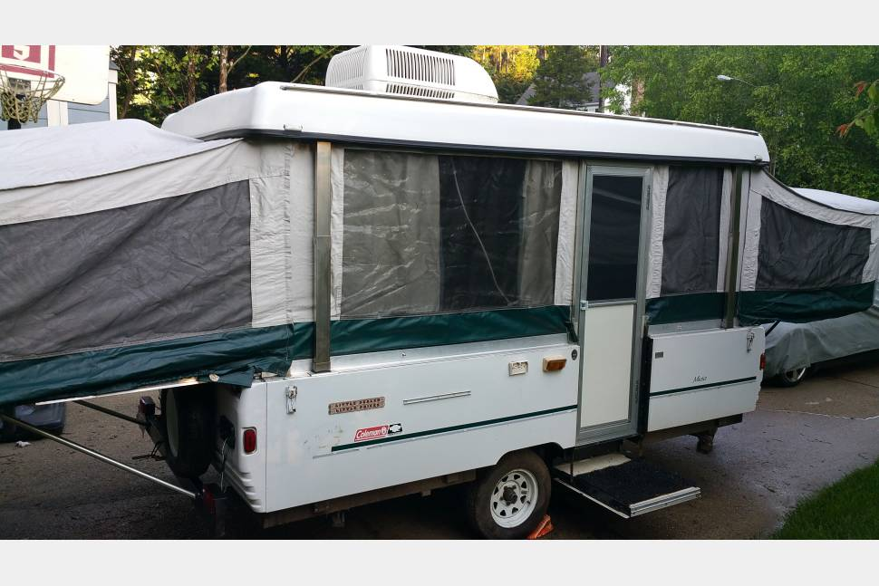 1998 Coleman Mesa Popup - Experience the fun and excitement of pop-up camping