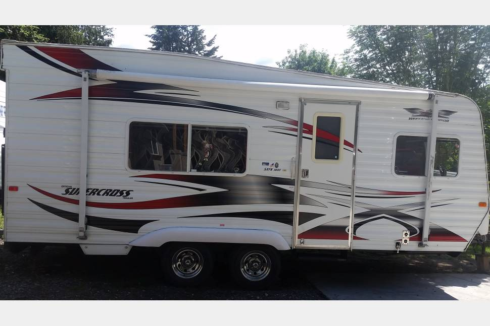 2008 Supercross Weekend Warrior - Used as a travel trailer or toy hauler. Great for a weekend get a way or trip.
