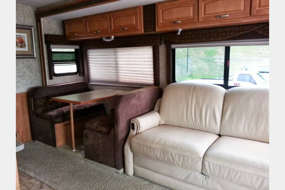 2007 Itasca SunRise 35A - The Real Glamping Experience