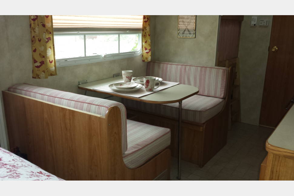 2004 Palomino Thoroughbred T-23-BH - Bon Voyage French-themed ultralite trailer