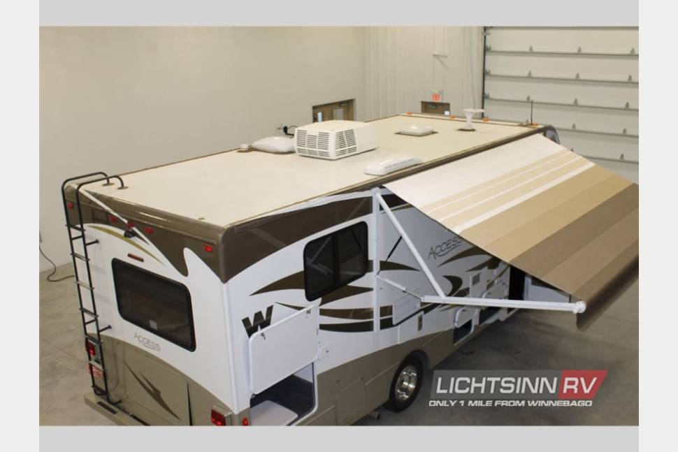 2013 Winnebago Access 26 QP - Fully equipped kitchen, luxury linens, just bring your suitcase! Fly in and go!
