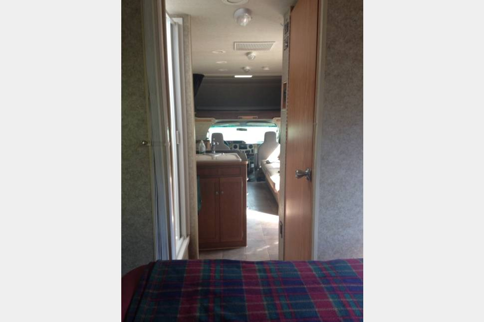 2011 Winnebago Chalet - Pet-friendly, everything included