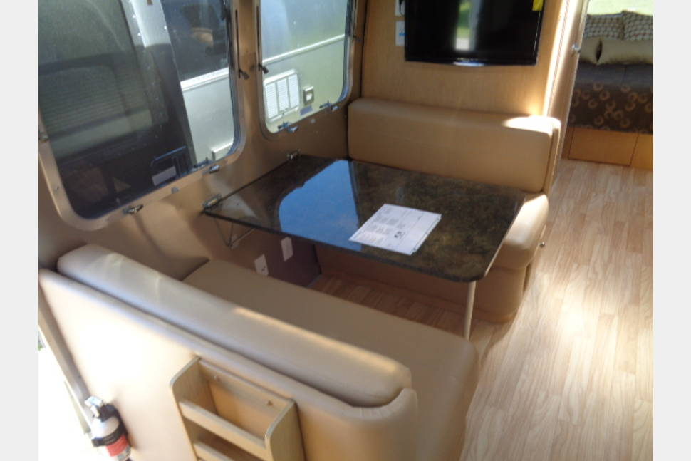 2014 Airstream Flying Cloud - 2014 28' Airstream Flying Cloud - All the comforts of home with the luxury of a 5 star hotel room