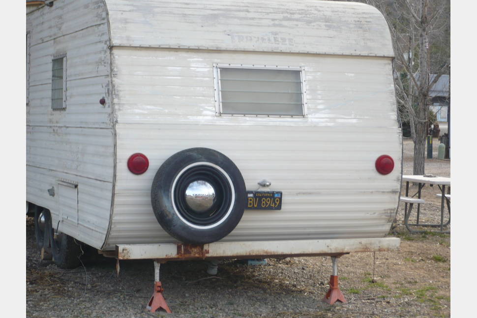 1959 Traveleze - Vintage 1959 Traveleze Rolling Cabin