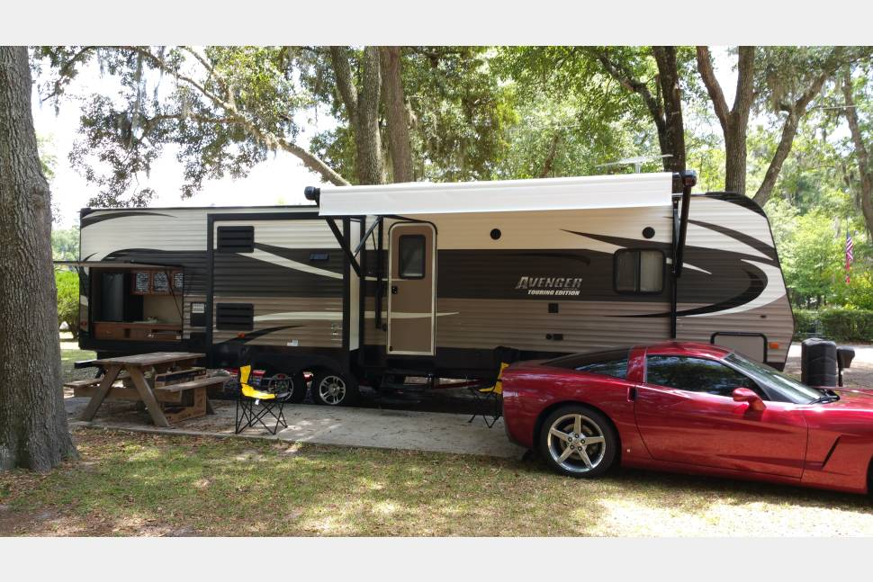 2016 Prime Time Avenger Touring BIT-32 - Camping at its best