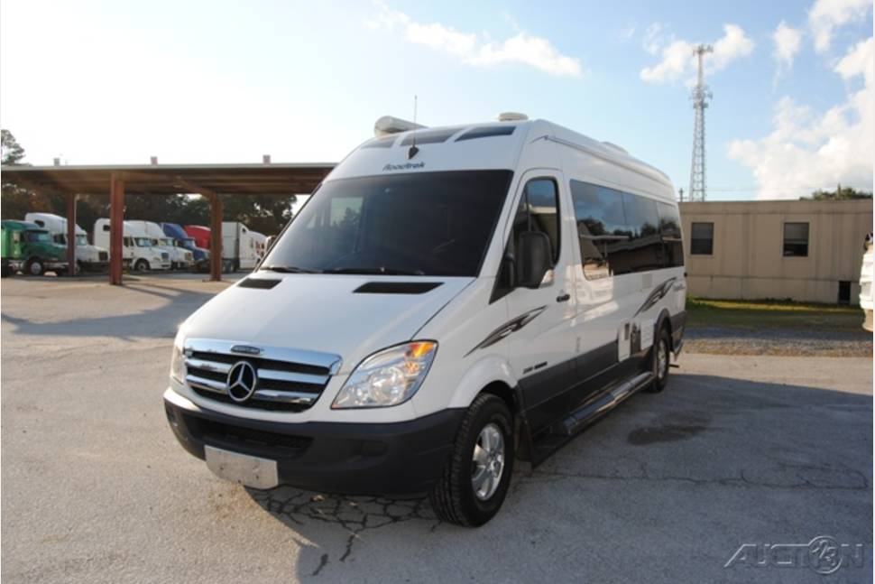 2009 Roadtrek Adventurous RS - Road Warrior! Drives Like a Dream and Gets 20 MPG!