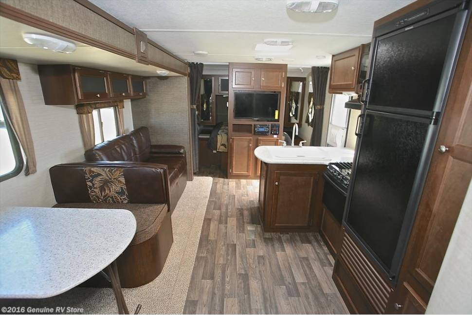 2016 Keystone Bullet Ultralite 308BHS - Camp like a CEO, pay like a Temp. We know you'll love it!