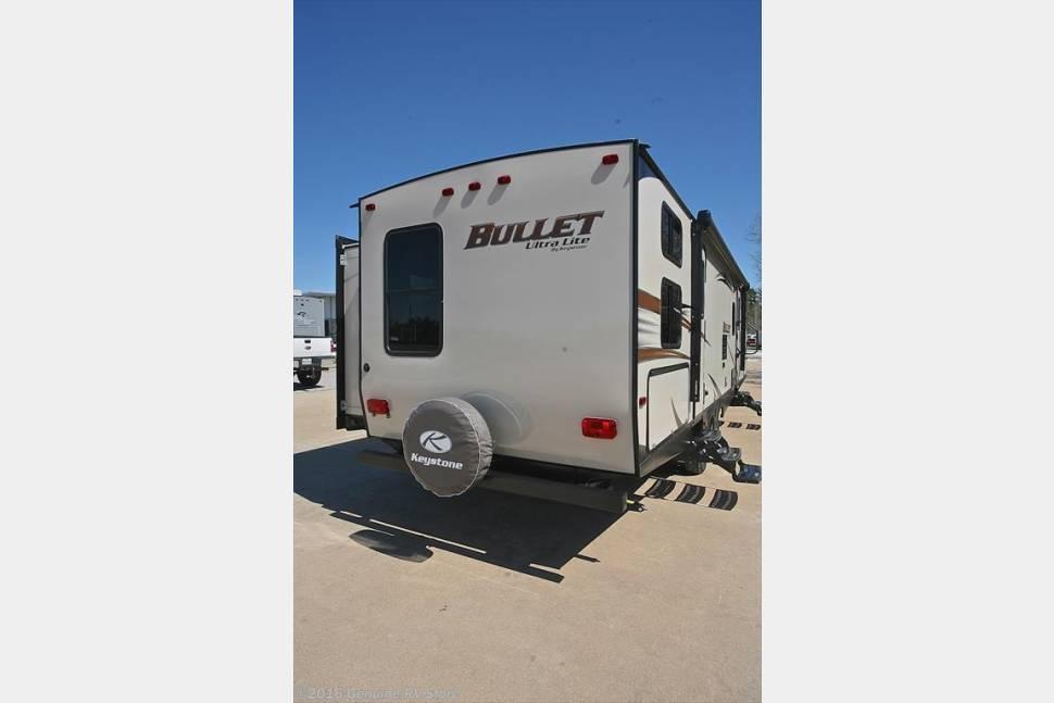 2016 Keystone Bullet Ultralite 308BHS - Camp like a CEO, pay like a Temp.  We know you'll love it!