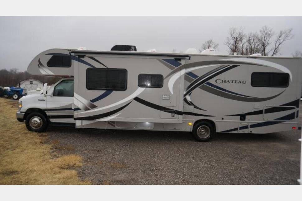 2014 Thor Motor Coach Chateau 31A Ford - The Great Out Doors