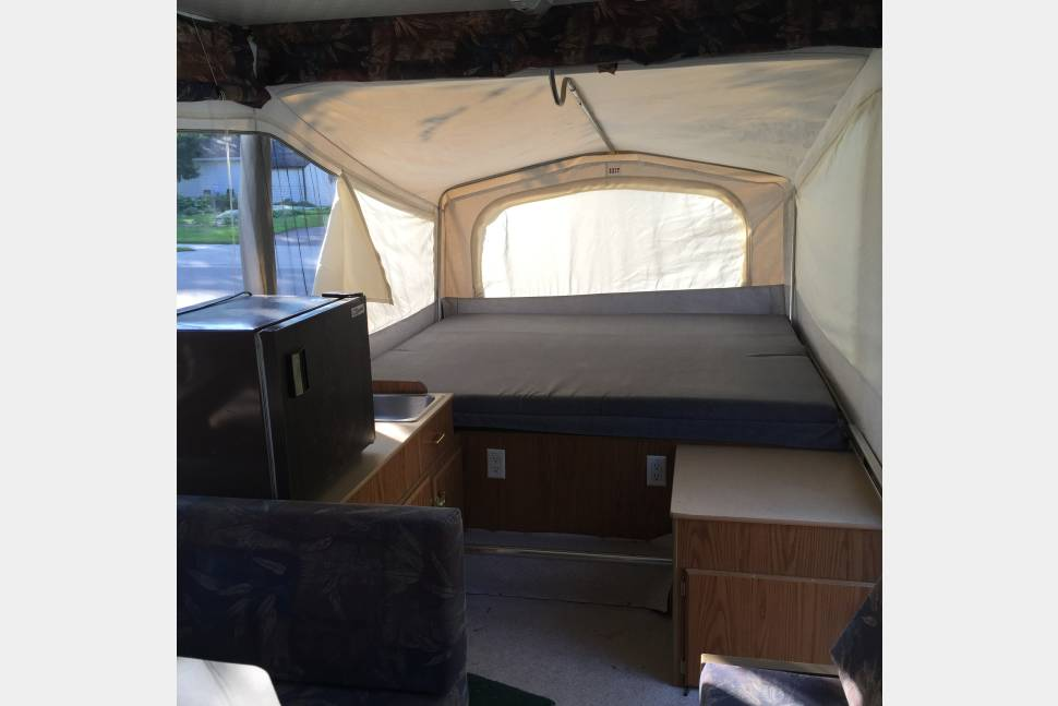 2001 Jayco Eagle M-10SG - Jayco Pop Up Camper Has Air Conditioning