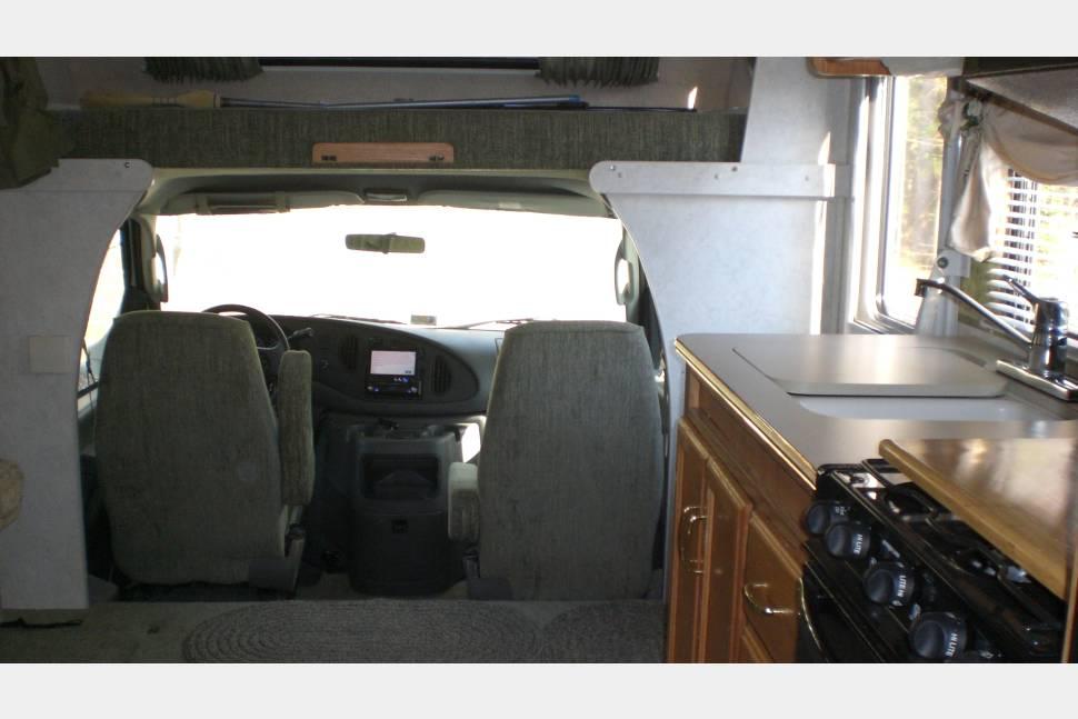 2003 Winnebago Minnie - Bessie: Burkholder's Land Yacht
