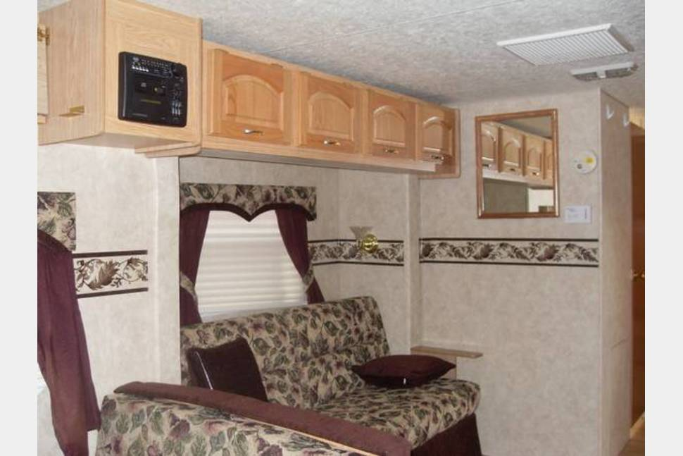 2005 KZ Frontier 2809 - Perfect RV for Families with Children - Double twin BUNKHOUSE!!!