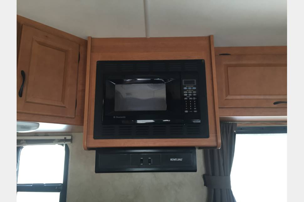 2012 Majestic 28A - Grizzly 4 - 2012 Majestic, Massive Storage Sleeps8