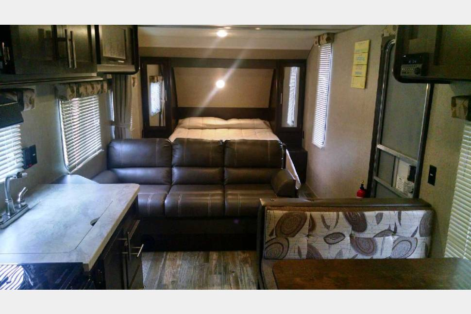 2017 Greywolf 26BH - 2017 Greywolf 26BH travel trailer