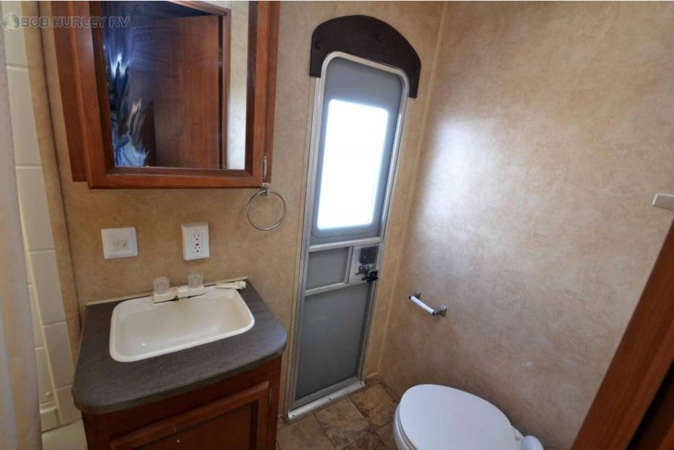 2012 Jayco Jay Flight 32' BHDS Bunkhouse Double Slide - Hollidays' Luxury Inn 32' Bunkhouse w/ 2 Large Slideouts and Outdoor Kitchen Fully Loaded for all your family needs – Delivery Available