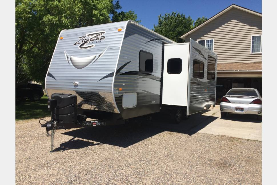 2016 Zinger 26KS - 2016 Zinger Travel Trailer