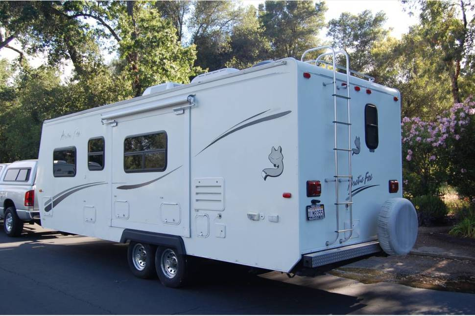 2006 Arctic Fox: GREAT FOR EXTREME HEAT AND COLD! Delivery & Pick-up Available SOLAR - Arctic Fox: Great Floor Plan: Solar Powered! Delivery specials*