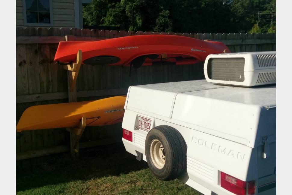 1993 Fleetwood (Coleman) Pioneer Arcadia - Kayaking Couples Mobile Cabin