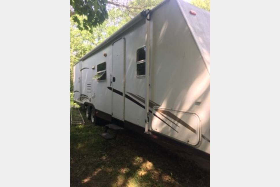 2006 Zeplin Z303 - Come and enjoy a home away from home experience .
