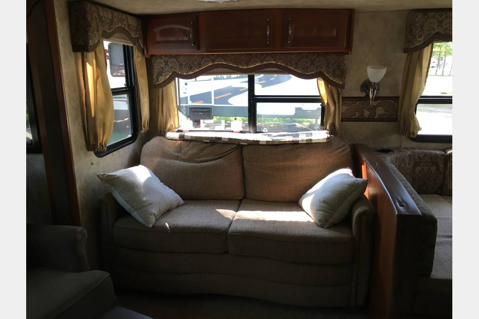 2012 Cougar XLite 32SAB - Papa's Palace, Large and Spacious Travel Trailer with lots of storage!