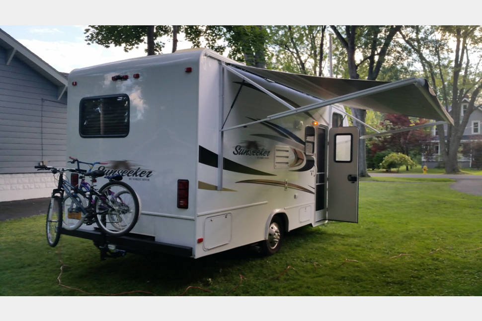 2014 Forest River Sunseeker 2250LE - The easiest RV you'll ever use