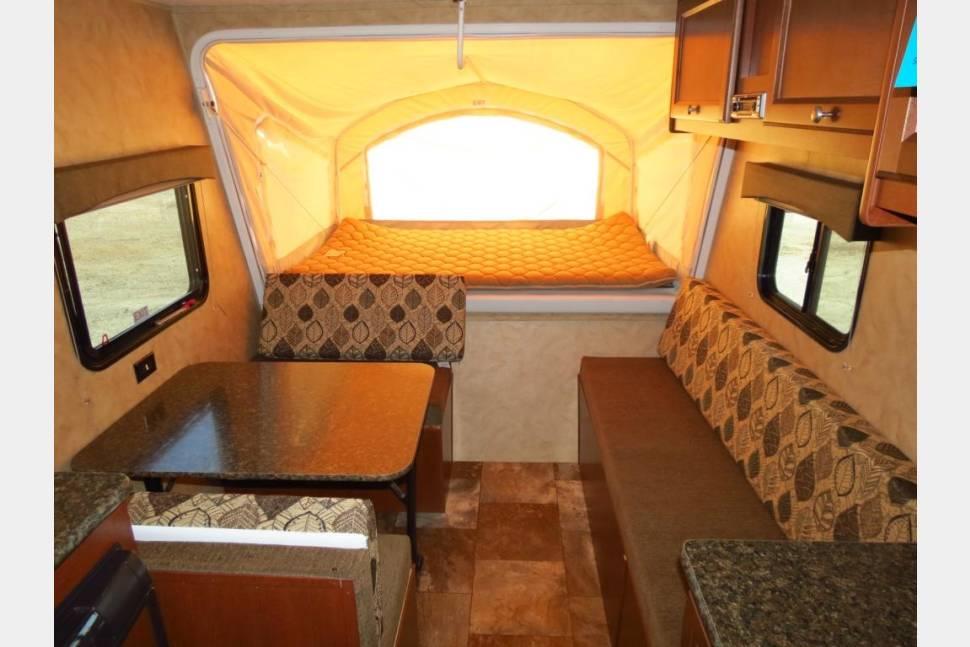 2016 Coachmen Clipper 16RBD Hybrid - Rent this like new 2016 Ultra-Lite Hybrid Travel Trailer