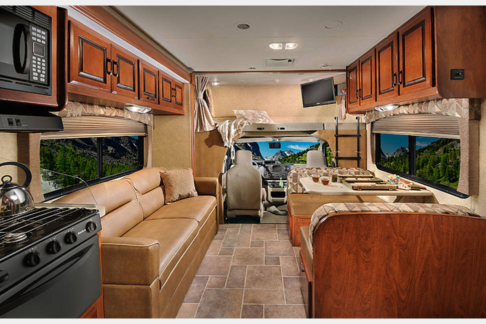 2014 Forest River Sunseeker 3170DS - Making Memories on Your Next Adventure!