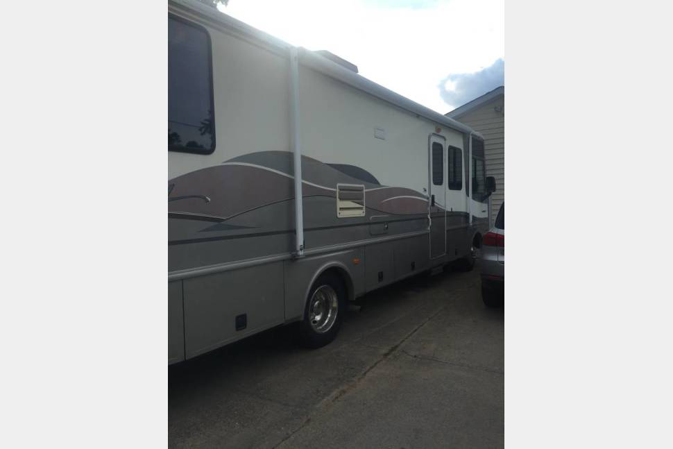 1999 Ford Southwind 34 Ft Motor Home Rv Rental In