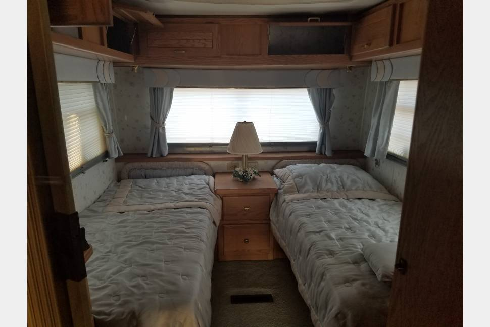 1991 Holiday Rambler Imperial - Unlimited Mileage/Generator, No Minimum days, long term available, one way could be considered