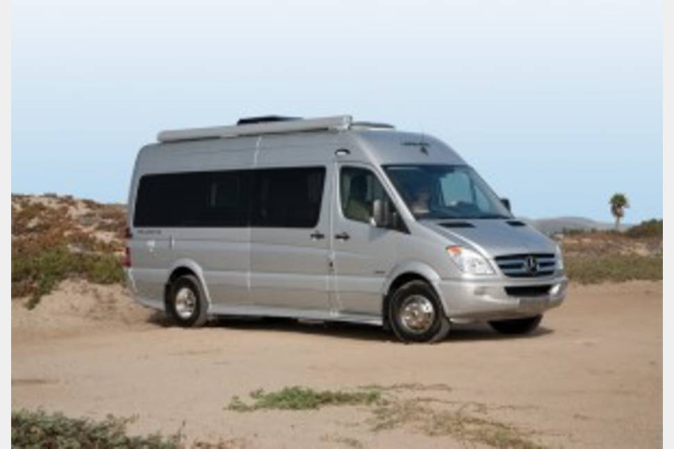 2013 Leisure Travel Van/ Free Spirit SS - Luxurious Mercedes Van with Slide Out