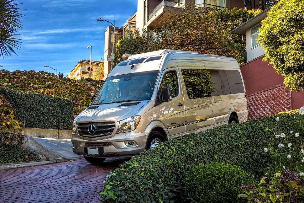 2016 Mercedes Roadtrek CS Adventurous Extended 24' Luxury Sprinter Coach - 2016 Mercedes Roadtrek CS Adventurous Extended 24' Sprinter Luxury Coach
