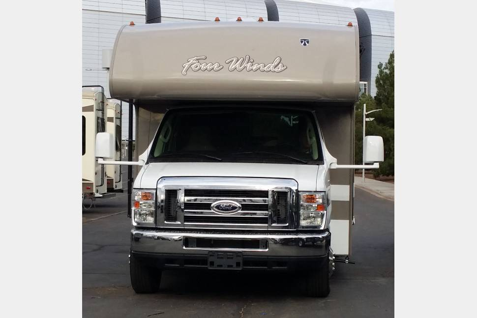 2016 Thor Four Winds 28Z - Silver Cloud