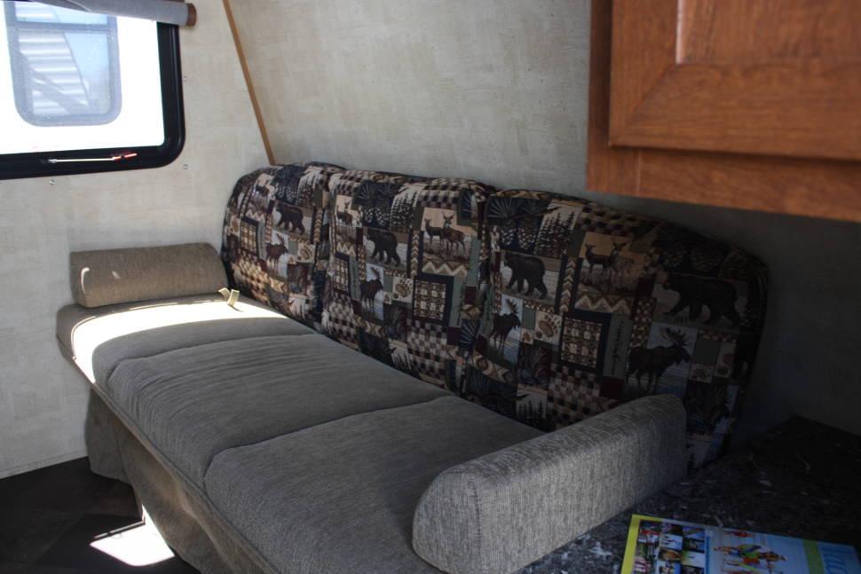 2014 Keystone  Fireside 19RB - Great Lightweight Travel Trailer Sleeps 6