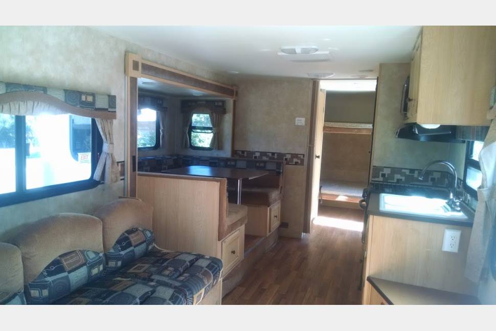 2011 KZ Spree 265KS - KZ Spree 265KS - Sleeps 7 - Great Family Unit for Canyon Country Fun