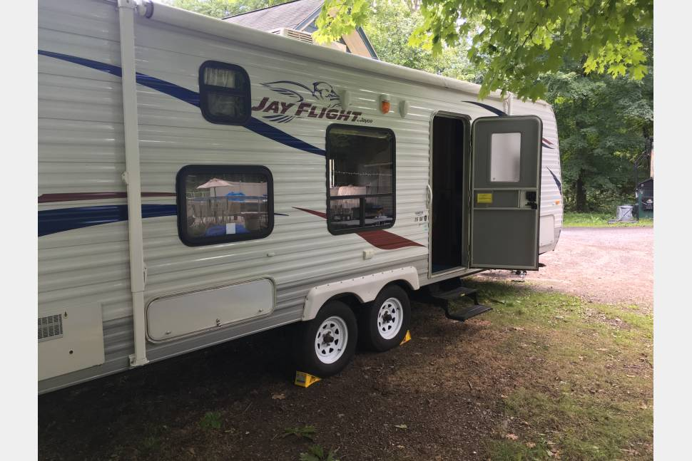2011 Jayco JayFlight - Show up and camp in Saugerties Let us Set you up