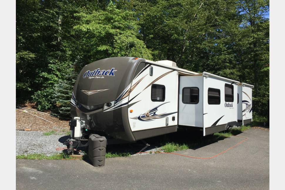 2014 Outback 310 TB - Camping or Motocross, You will go in style!