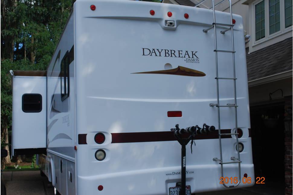 2008 Damon Daybreak - Family Fun Machine