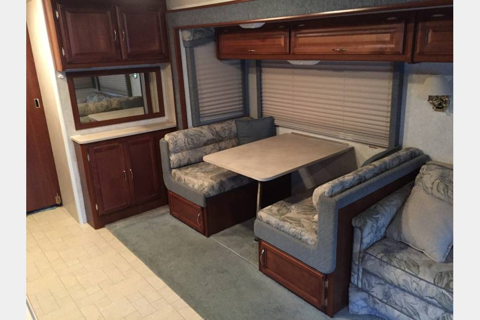 2003 Fleetwood Bounder 36S - Home away from home!