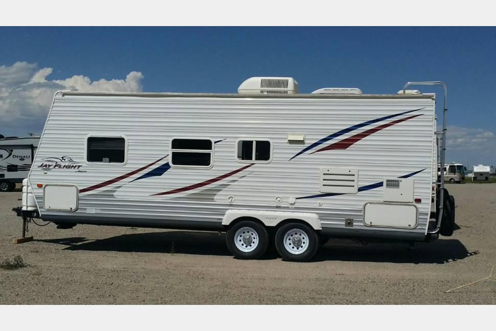 2007 Jayco 23FB - Camping Comfort for Your Family!