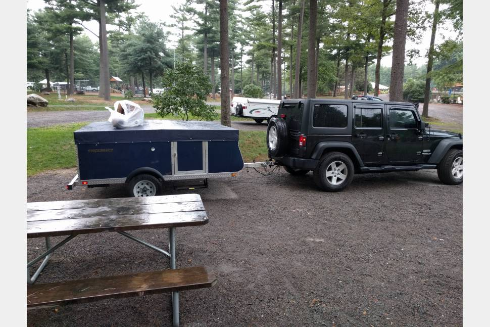 2007 Livin Lite Quicksilver 8.0 - Easy to Tow, light pop up camper! Easy set up