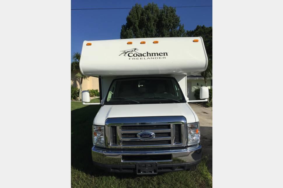 2013 Coachman Freelander - 32' Coachman Bunkhouse