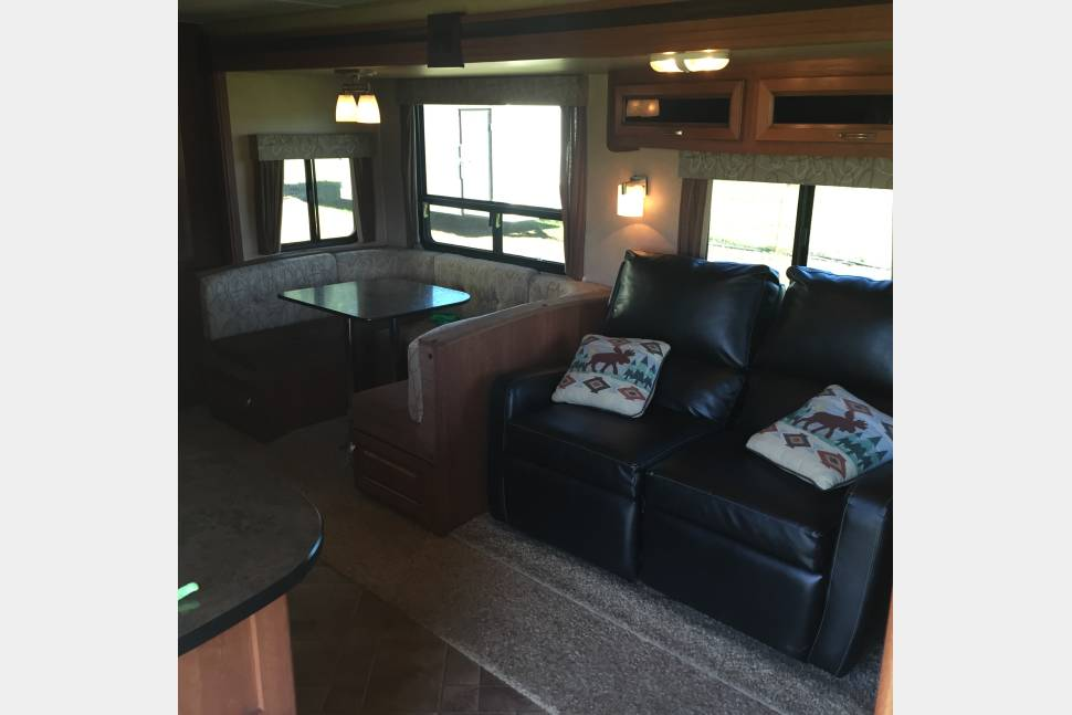 2013 Wildcat Maxx - Wildcat Maxx 29ft Travel trailer