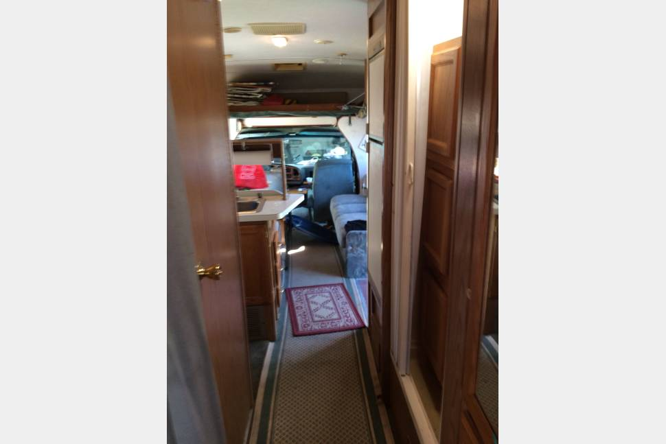 1996 Fleet Wood Tioga By Montara - Road Warrior:Very comfortable living. I have lived in the RV as long as five months consecutively and have been very comfortable