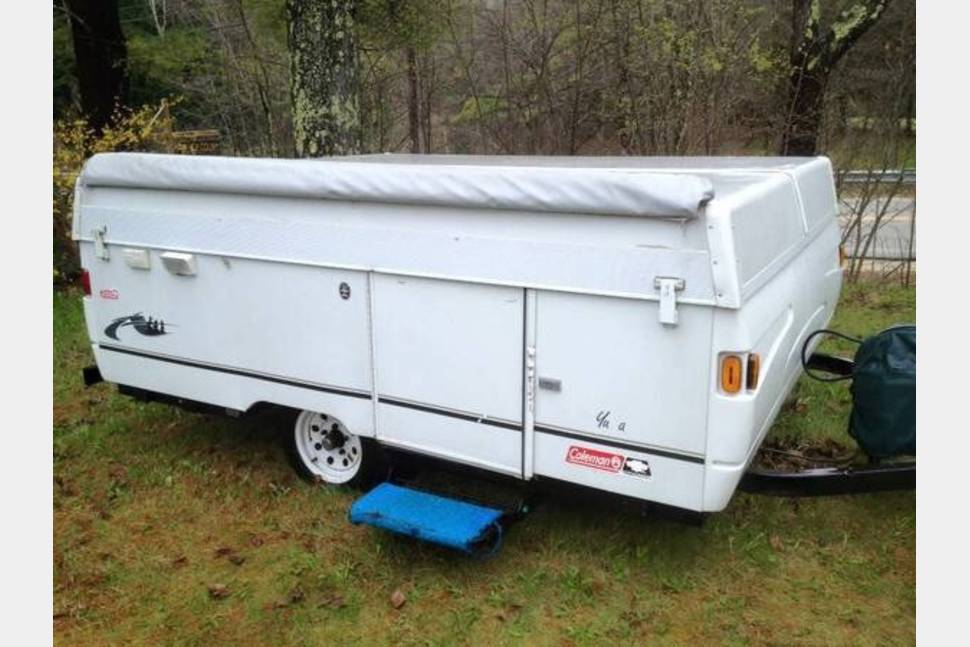 2003 Coleman (Fleetwood) Yuma - Great little lightweight camper! Easy to tow! Comfortable off the ground sleeping!
