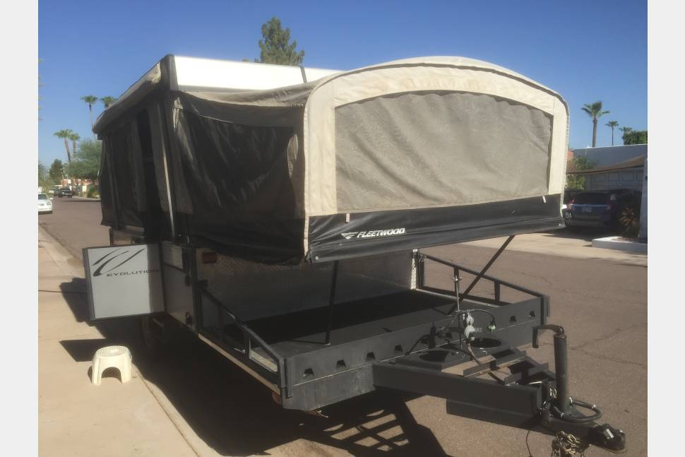 2006 Fleet Wood E2 - Perfect Pop-Up with front deck large enough for quad