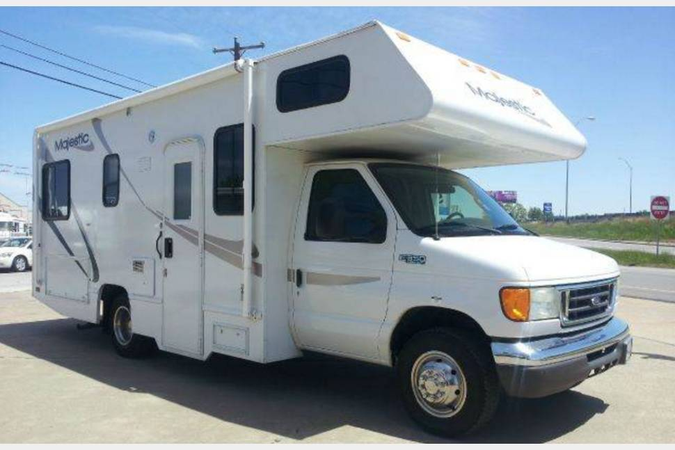 2005 24 FOOT Four Winds Majestic - Nice 2006 24 foot Four Winds Majestic V8 Ford E350 chassis