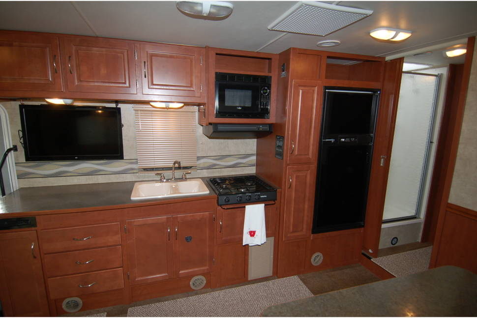 2014 31' Winnebago Minnie Winnie31K - Pet Friendly/Daily Rental Minnie Winnie 31K