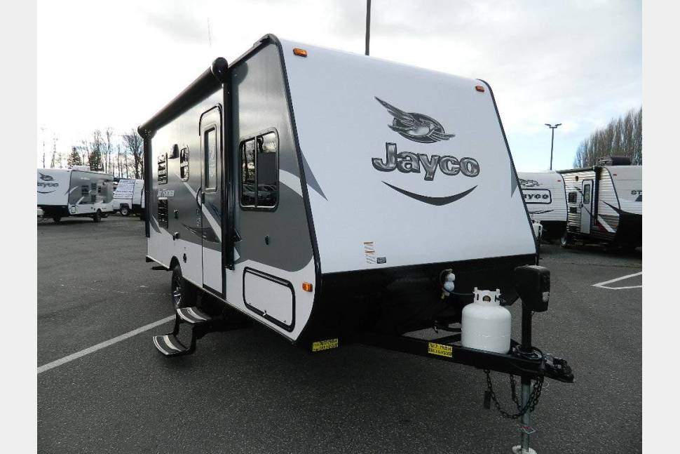 2016 Jayco Feather 7 19BH - Beautiful light weight travel trailer!