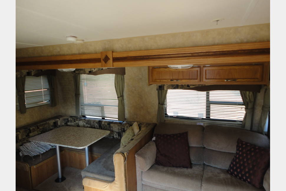 2009 Jayco Jay Flight 36 BHS - Room for the Whole Family - Making Memories that last a lifetime!